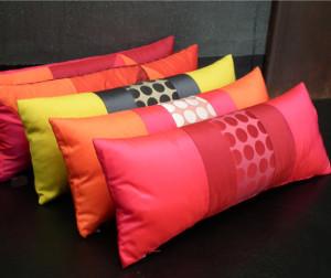 Cuscini colorati per divani morbidissimi - Cuscini quadrati per divani ...