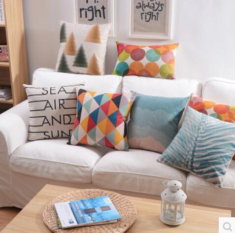 Cuscini divano colorati idee per il design della casa for Cuscini divano